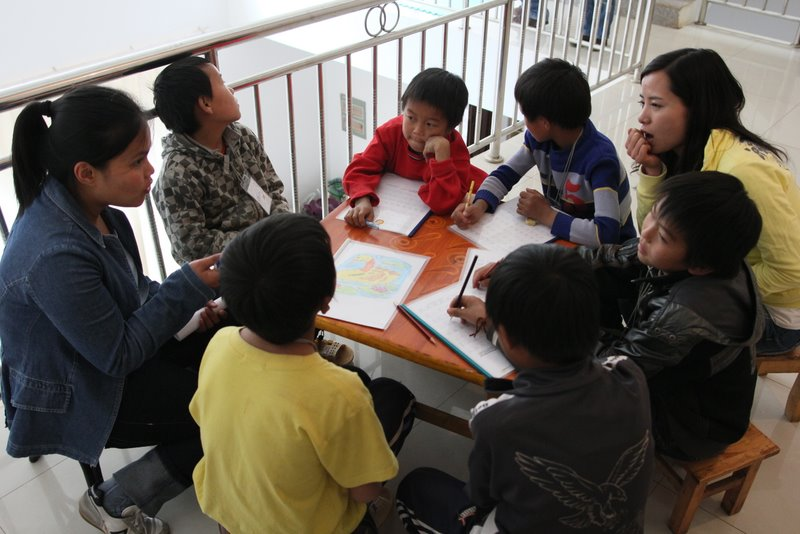 New-Ministry-The-Hub-Students-Teach-Orphans-English-002